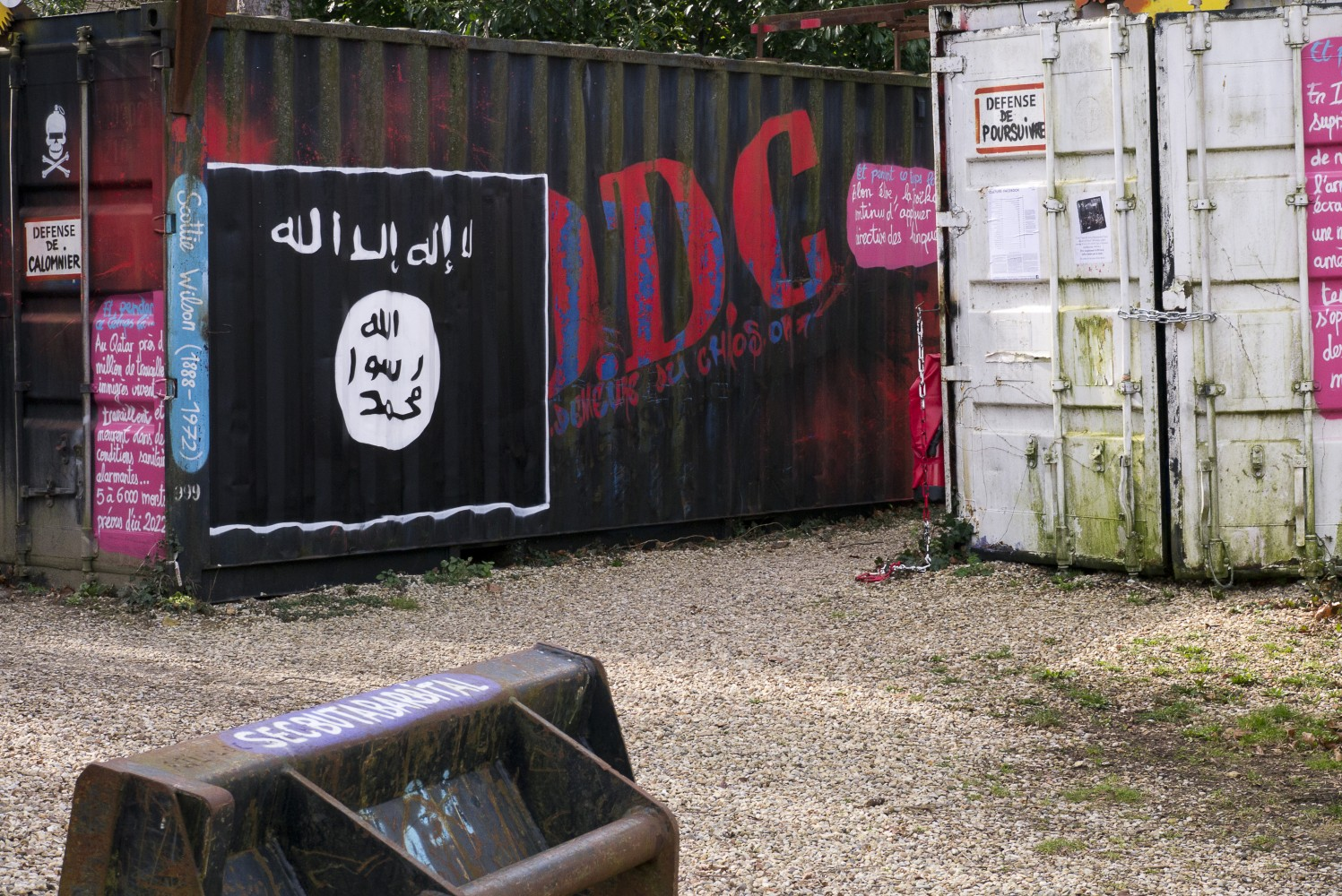 An Daesh poster adorns a shipping container in Syria. Copyright Thierry Ehrmann 2015.